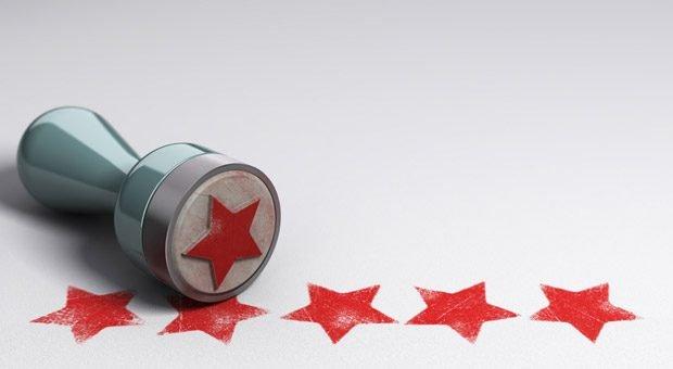 Ihr Kunde ist begeistert und würde Ihrem Unternehmen sofort eine Fünf-Sterne-Bewertung geben? Dann nutzen Sie diese Begeisterung für Ihr Referenzmarketing.