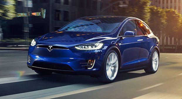 Das Tesla Model X ist ein 96.750 Euro teures Elektro-SUV.