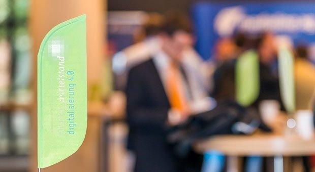 Sie wollen den nächsten Schritt in die Digitalisierung gehen und von ihr profitieren? Bei der Veranstaltungsreihe »smarter mittelstand«  erfahren Sie, wie das gelingen kann.