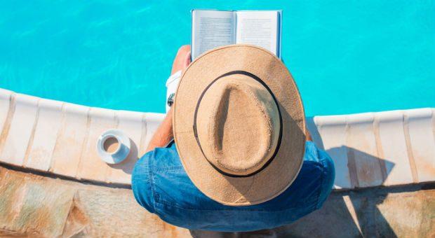 Endlich Zeit zu lesen! Wir haben Unternehmer nach ihren Lieblingsbüchern für den Urlaub gefragt.