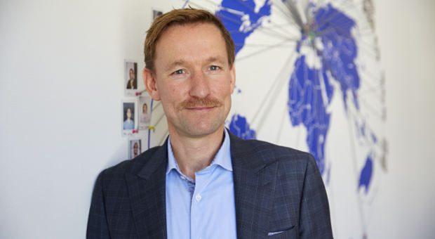 Hermann Arnold fand, ein anderer Mitarbeiter wäre ein besserer Chef für seine Firma als er - und trat freiwillig zurück.