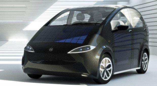 Solarpanel an Bord: Der Sion von Sonomotors soll sich beim Parken durch die Sonne aufladen. Wer's eilig hat, sollte es allerdings lieber  an die Steckdose anschließen ...
