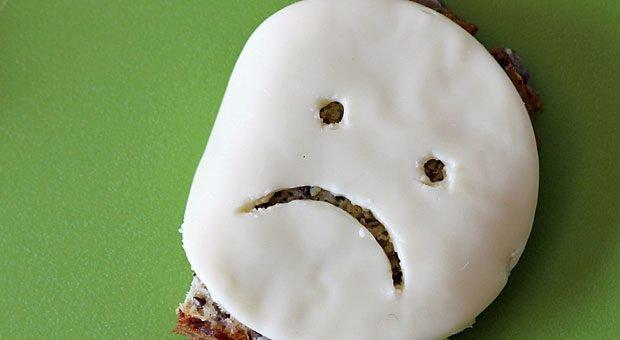 """""""Das Essen war ungenießbar!"""" Schlechte Online-Bewertungen sind unangenehm - besonders wenn sie zutreffen. Wenn Unternehmer auf Kritik im Netz reagieren, sollten sie sich an einige Grundregeln halten."""
