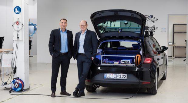 CMORE Automotive GmbH in Lindau. Geschaeftsfuehrer Richard Woller und Gregor Matenaer (Brille).