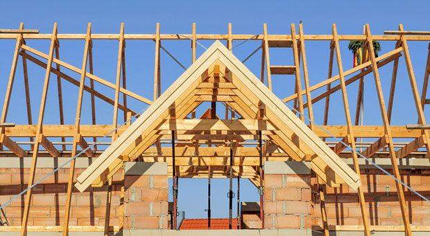 Stressfrei ins neue Eigenheim: Auch für private Bauherren bringt das neue Bauvertragsrecht wichtige Änderungen.