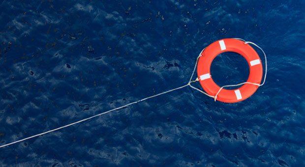Wenn das Unternehmen nach einem Brand oder Wasserschaden in finanzielle Schwierigkeiten gerät, wirkt eine Betriebsunterbrechungsversicherung wie ein Rettungsring.