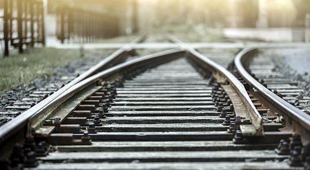 Damit Ihr Vertrieb läuft wie auf Schienen, brauchen Sie einen detaillierten Plan - und Mitarbeiter, die mitziehen.