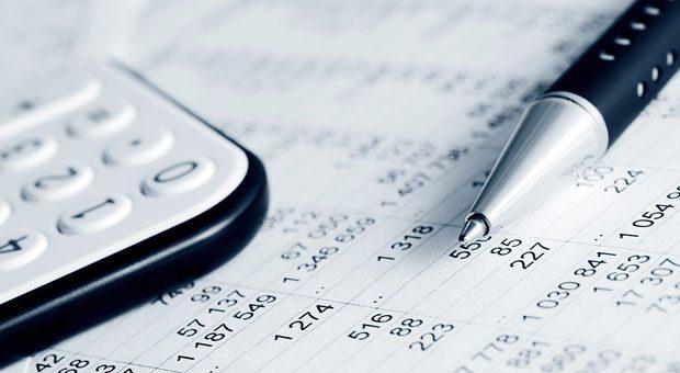Fehler in der Rechnung? Chefs können aufatmen. Denn der Bundesfinanzhof hat nun entschieden, dass Korrekturen jetzt auf den Zeitpunkt der Rechnungsausstellung zurückwirken.