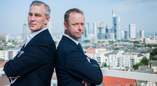 Der digitaler Wandel macht auch vor den Banken nicht halt: Christian Schneider-Sickert, Gründer des Start-Ups Liquid, tritt gegen Henning Gebhardt, Chef der traditionsreichen Privatbank Berenberg, an.