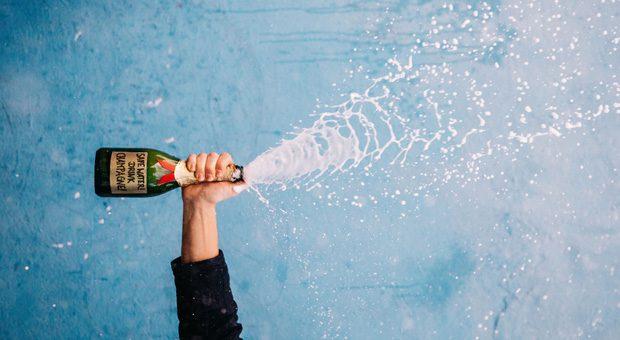Prost! Wer im Hotel Schindlerhof etwas Neues ausprobiert und grandios scheitert, wird gefeiert. Für den Fehler des Quartals gibt es Champagner.