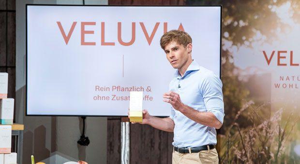 """Bei """"Die Höhle der Löwen"""" konnte Gründer Jörn-Marc Vogler von Veluvia mit seinen Nahrungsergänzungsmitteln punkten. Und ja, der Mann ist wirklich schon 45."""