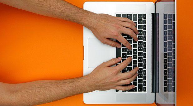 Nur einer der Vorteile einer Webseite: Mit ihr sind Sie da, wo Ihre Kunden sind. Denn wer etwas kaufen will, informiert sich heute meist zuerst im Internet.
