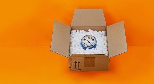 Geschenkte Zeit: Wer mit seiner Umsatzsteuervoranmeldung immer knapp dran ist, kann eine Dauerfristverlängerung beantragen.