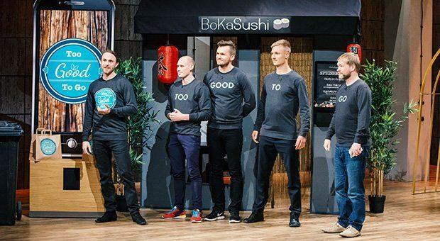 """""""Too Good To Go"""" bei """"Die Höhle der Löwen"""": Stian M.H.Olesen, Julian Stützer, Klaus Pedersen, Thomas Bjørn Momsen und Peter Wiedeking (von links)."""