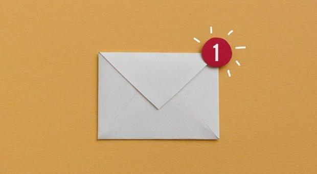 Pling! Eine E-Mail ist schnell abgeschickt. Aber nicht alle Nachrichten sollte man per E-Mail kommunizieren.
