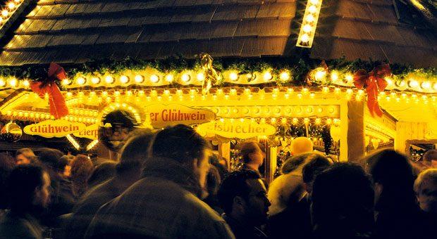 Der beste Standort für einen Glühweinstand? Auf diese Frage hat Verkaufsprofi Dirk Kreuter eine ganz klare Antwort: direkt neben einem anderen Glühweinstand!