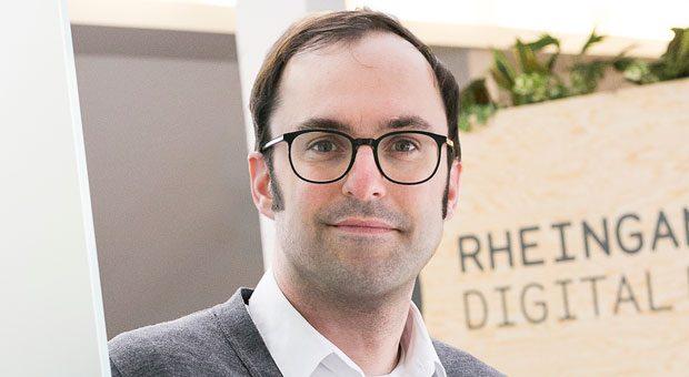 Lasse Rheingans ist zufrieden: Seine Idee vom 5-Stunden-Arbeitstag kommt bei seinen Mitarbeitern von Digital Enabler gut an – außerdem gab es ordentlich Medienrummel.