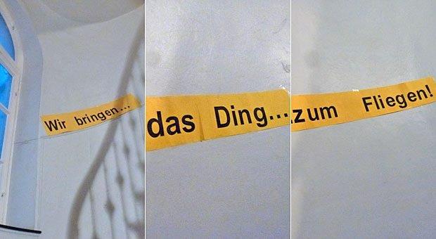 """""""Als ich erleichtert und erschöpft die Treppen zu unserer Altbauwohnung hochstieg, überraschten mich an den Wänden im Treppenhaus Worte auf gelbem Karton."""" Nikolaus Förster erinnert sich an den 5 Jahre zurückliegenden MBO von impulse."""