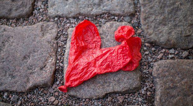 Wenn Paare gemeinsam ein  Unternehmen führen, ist die Liebe in Gefahr. Passt man nicht auf, ist irgendwann die Luft raus.