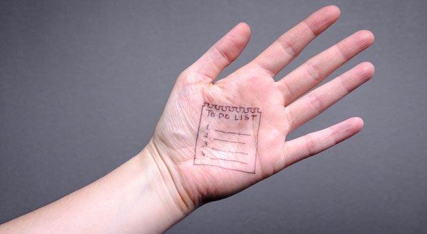Die Hand ist nicht der allerbeste Ort für eine To-do-Liste. Aber vielleicht nutzt man fürs Aufgabenmanagement künftig ohnehin eine andere Methode?