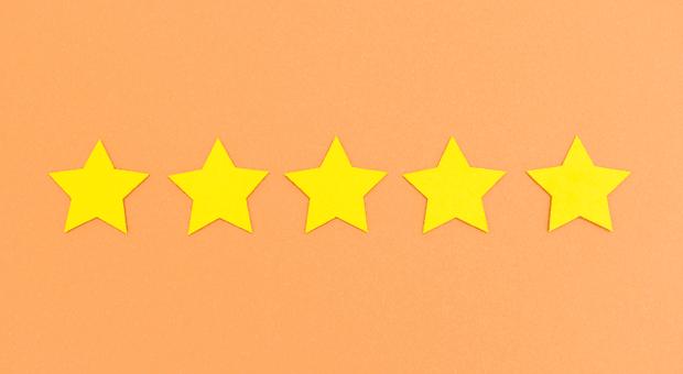 Fünf-Sterne-Bewertungen auf Arbeitgeberportalen lassen Chefs jubeln. Doch was tun, wenn ein ehemaliger Mitarbeiter eine miese Arbeitgeberbewertung schreibt?