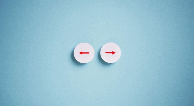 Nach links oder nach rechts? Den lukrativen Auftrag annehmen, obwohl die Angestellten überlastet sind? Die 10-10-10-Methode hilft, gute Entscheidungen zu treffen.