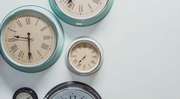 Zeit ist eine wertvolle Ressource im Arbeitsalltag. Ein Arbeitszeitkonto hilft Arbeitgebern und Mitarbeitern, Arbeitsstunden flexibel einzusetzen.
