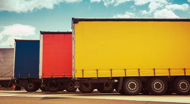 Für Lkw über 7,5 Tonnen müssen Unternehmen ab 1. Juli 2018 auch auf Bundesstraßen Maut bezahlen.