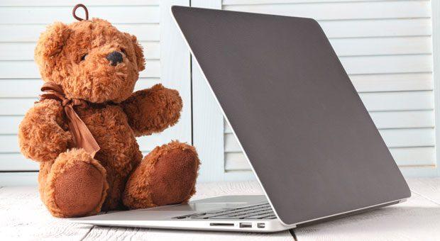 In familienfreundlichen Unternehmen sind Kinder willkommen  - und es gibt Spielsachen, falls sie mal mit ins Büro genommen werden.