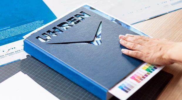 """""""Uhren. Handwerkskunst + Unternehmergeist"""" ist das neue Buch im Verlag impulse Buch."""