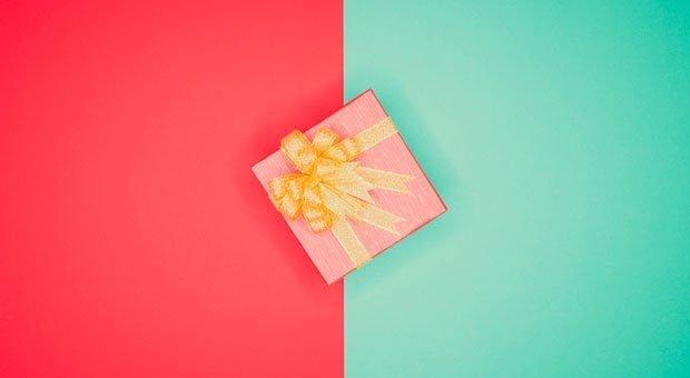 Geschenke an Geschäftspartner sind gut zur Beziehungspflege - doch der Grat zur Bestechung ist schmal.