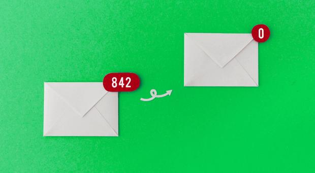 Von 842 auf null: Wer die die E-Mail-Flut eindämmen will, muss die direkte Kommunikation fördern.