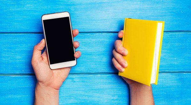 Dank der App Blinkist kann man dicke Bücher in 15 Minuten lesen.