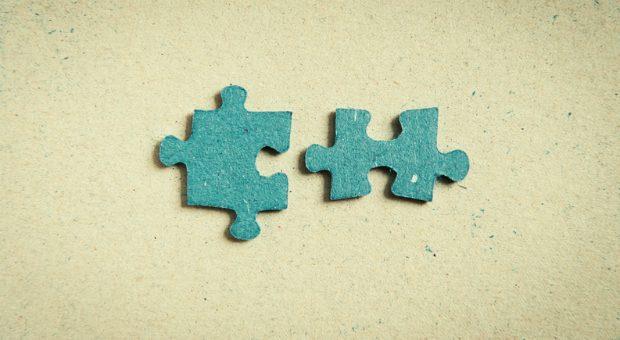 Das passt! Wer beim Recruiting auf Empfehlungen von Mitarbeitern setzt, findet  Kandidaten, die die Werte des Unternehmens teilen.