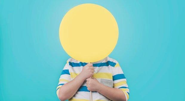 Gelb vor Neid werden, so lautet eine Redewendung. Wer über seine Fehler spricht, kann die Zahl seiner Neider verringern.