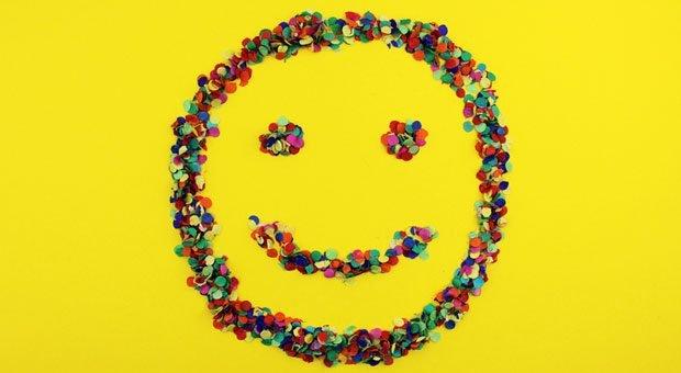 Alle happy? Gute Stimmung auf der Arbeit wünscht sich wohl jeder.