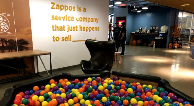 Allgegenwärtige Erinnerung: Beim US-Online-Händler Zappos wird Kundenservice großgeschrieben.