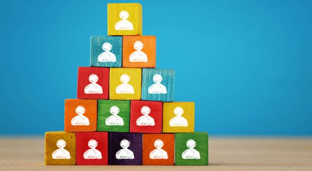 Hierarchien sollte es bei der agilen Führung zwar schon noch geben - aber keine, die in Stein gemeiselt sind.
