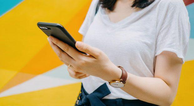 Facebook Ads oder Google Ads: Finden Sie heraus was sich für Ihre Firma bezahlt macht.