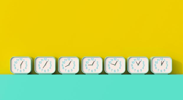 Für jeden geht die Uhr anders: Führen Arbeitgeber Gleitzeit ein, müssen sie einiges beachten.