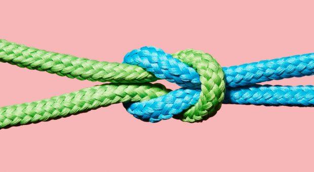 Der Eigentumsvorbehalt sichert Unternehmen vertraglich gegen Insolvenzen von Kunden ab.