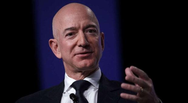 Die 3-Fragen-Regel nutzt Jeff Bezos, wenn er sich für Bewerber entscheiden muss.